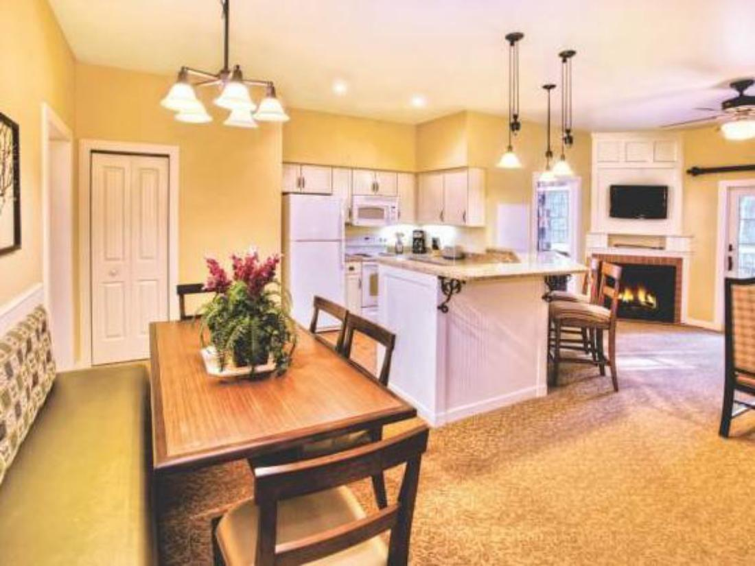 Best Price on Wyndham Vacation Resorts Shawnee Village in