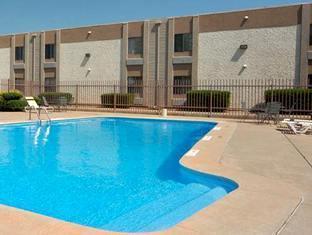 Econo Lodge Airport Essington (PA) - Hotel Pool