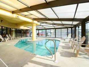Super 8 Pigeon Forge Pigeon Forge (TN) - Swimming Pool