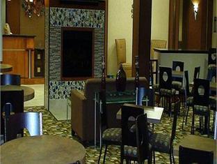 Holiday Inn Express Hotel and Suites Cincinnati - Mason