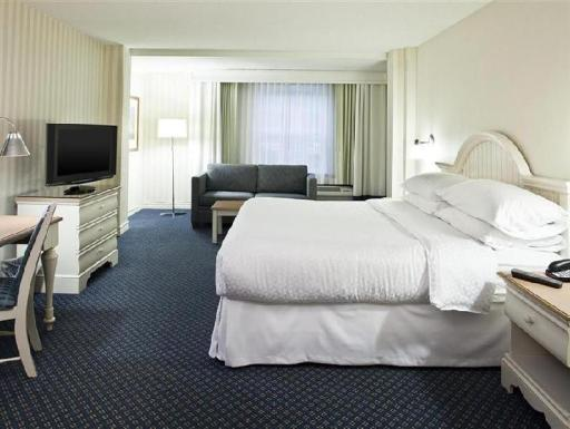 ➦  Starwood Hotels & Resorts Worldwide    (Massachusetts) customer rating