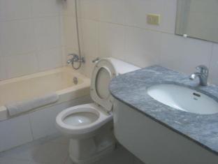 Philippines Hotel Accommodation Cheap   Taft Tower Manila Manila - Superior Bathroom