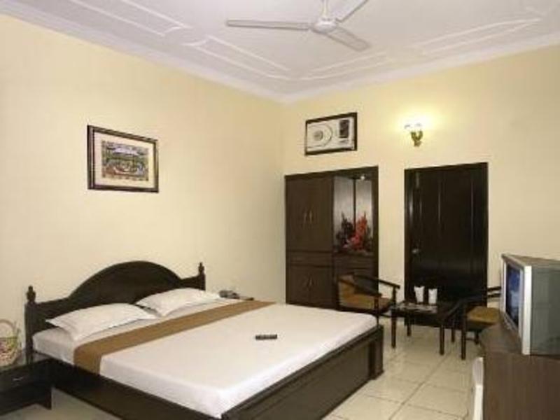 タージ ホーム ステイ(Taj Home Stay Hotel)