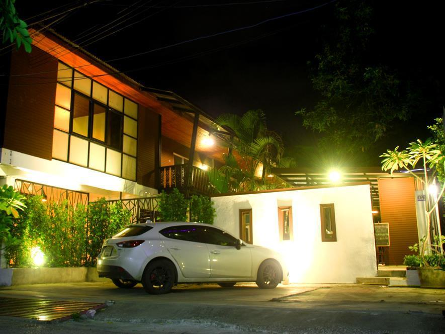 Ganesha house old city chiang mai thailand great for Classic house chiang mai massage