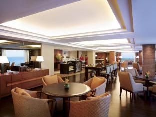 Shangri-La's Mactan Resort and Spa Cebu Cebu - Ocean Club Lounge