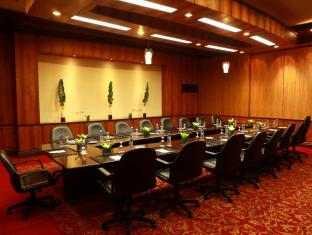 Waterfront Airport Hotel and Casino Mactan 宿雾 - 会议室