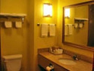 Home Town Inn Hotel Ringgold (GA) - Bathroom