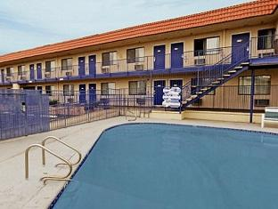 Americas Best Value Inn – Lake Mead Las Vegas (NV) - Swimming Pool