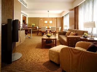 Grand Hyatt Singapore guestroom junior suite
