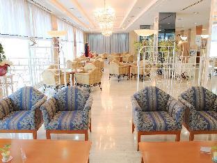 Hotel Crown Palais Aomori image