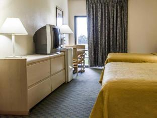 room of Quality Inn & Suites Golf Resort