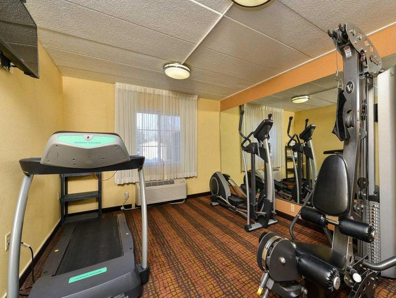 Quality Suites Tinton Falls - Eatontown, NJ 07724