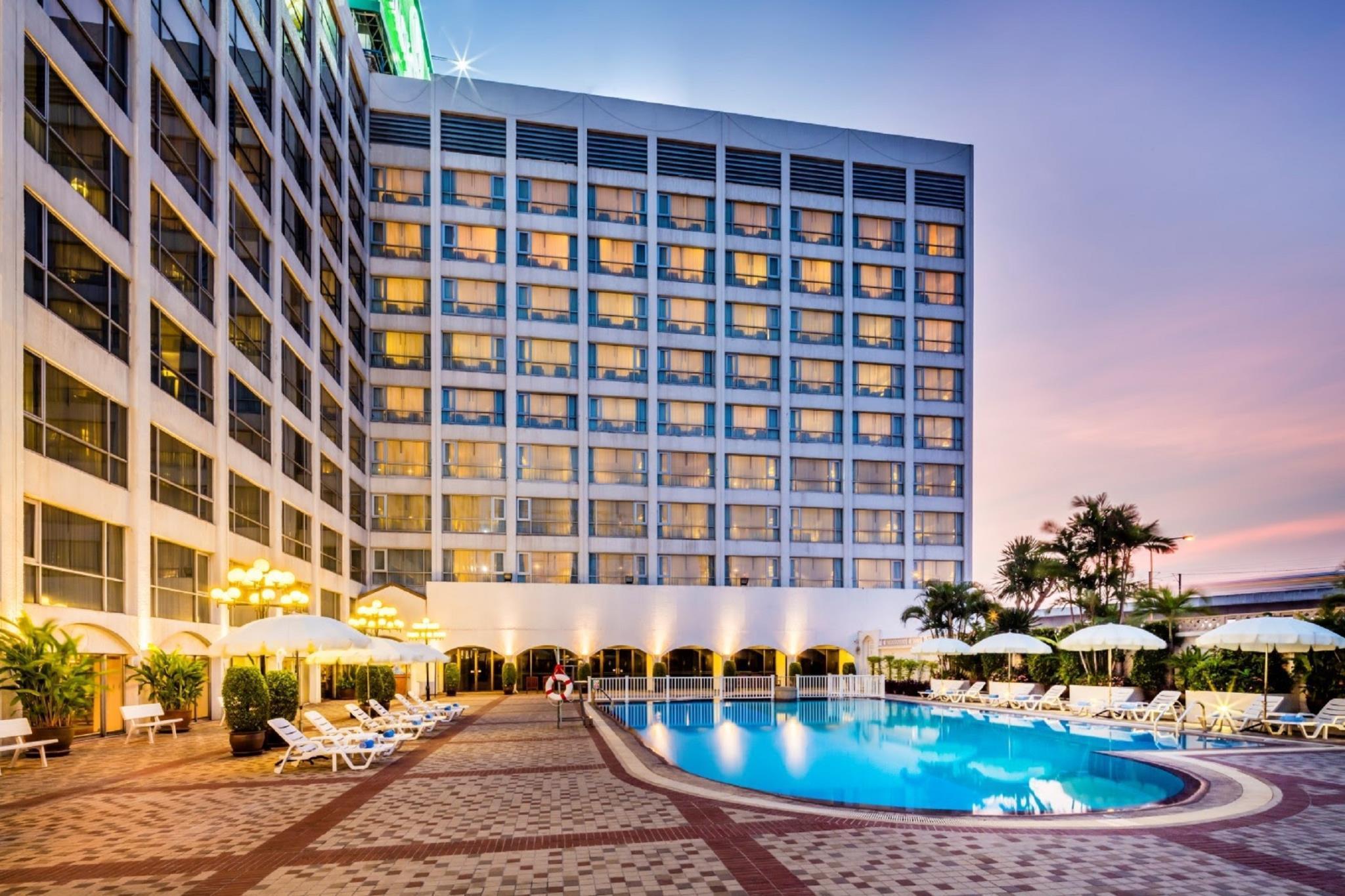 โรงแรมบางกอกพาเลส