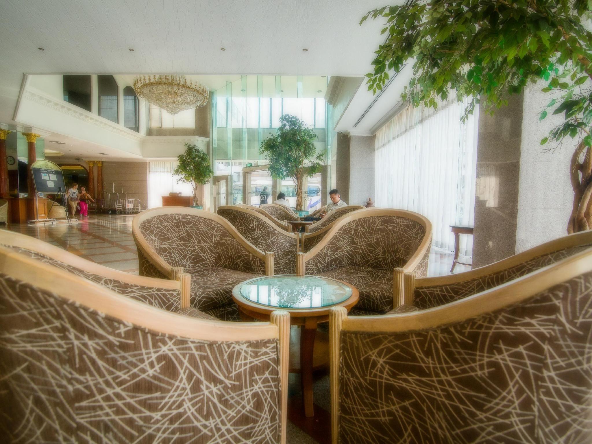 โรงแรมรอยัล เบญจา