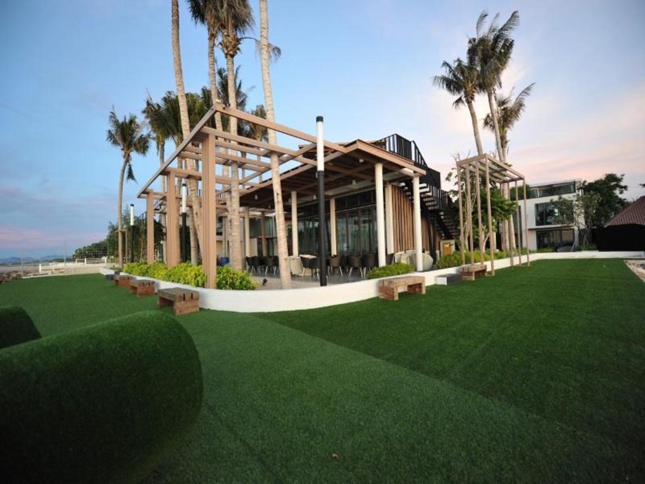 อีโค่ โมเม้น บีช รีสอร์ท (Eco Moment Beach Resort)