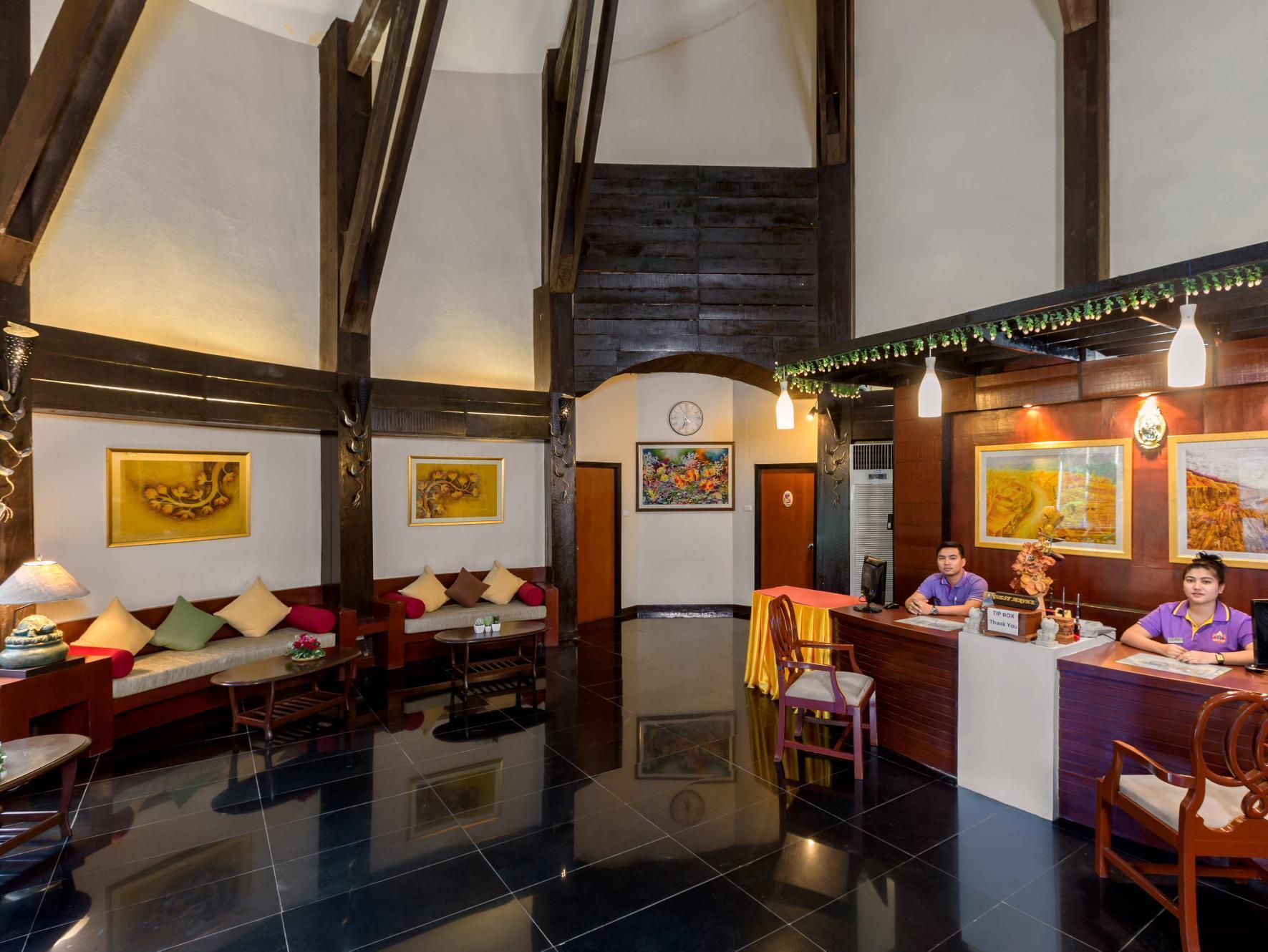 โรงแรมทิมเบอร์เฮ้าส์