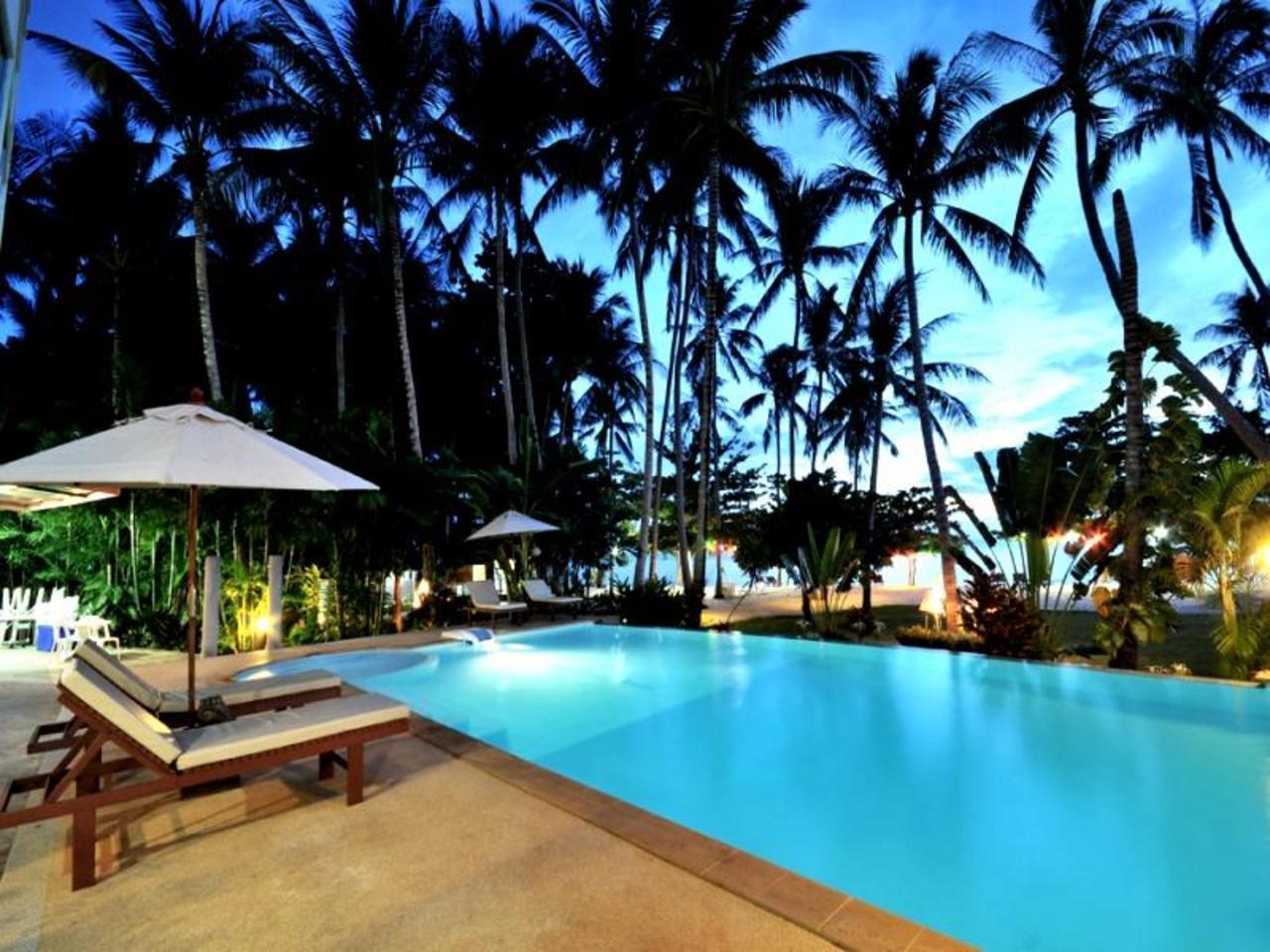 โรงแรมแกรนด์ซีวิว รีซอร์เทล (Grand Sea View Resotel Hotel)