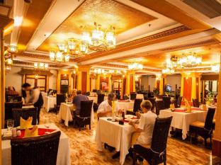 Hotel Majestic Saigon Ho Chi Minh City - Cyclo Restaurant