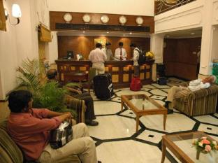 The Chariot Hotel Chennai - Rezeption