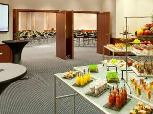 Crowne Plaza Berlin City Centre Nurnberger Hotel Berlijn - Buffet