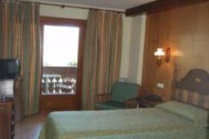 Hotel Babot photo 2
