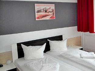 Academy Hotel Berlynas - Svečių kambarys