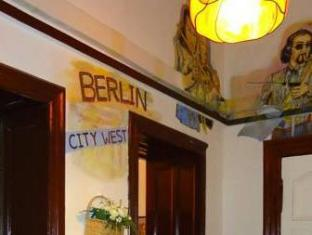 Hotel-Pension Ariane am Kurfürstendamm Berlin - Hotellet från insidan