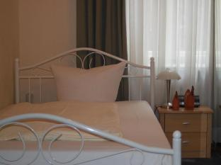Hotel-Pension Ariane am Kurfürstendamm Berlin - Guest Room