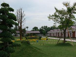 Bakaran Batu Pasar Lima Kebun Kelapa No.28 Street Kualanamu. Kecamatan Beringin
