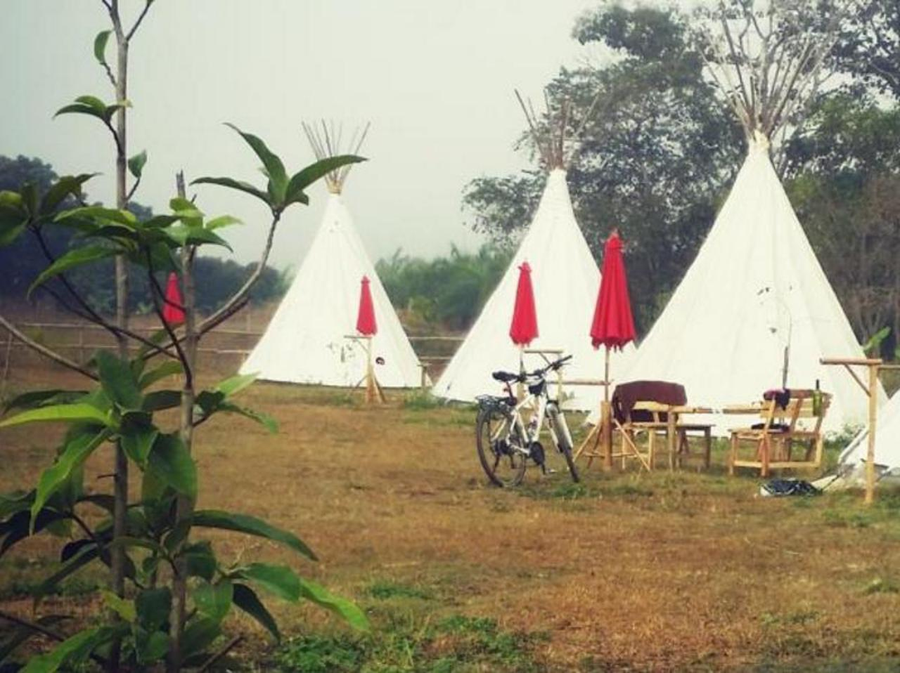 แคมปิ้ง ดู โมนล์ (camping du monde)
