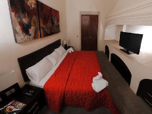 Monte Leon Hotel