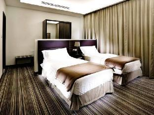 Grand Lily Hotel Suites