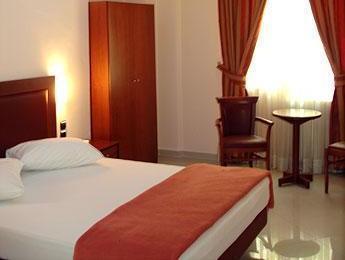 Brazil Hotel – Athens 5