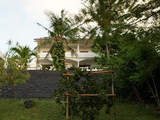 Jl.Bukit Loco Villa Buah no.2 .Dusun Loco, Senggigi - Lombok - NTB