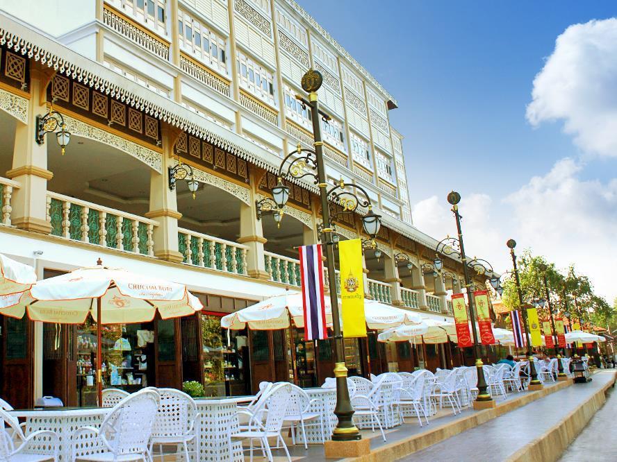 安帕瓦出查武里斯里酒店,ชูชัยบุรีศรีอัมพวา