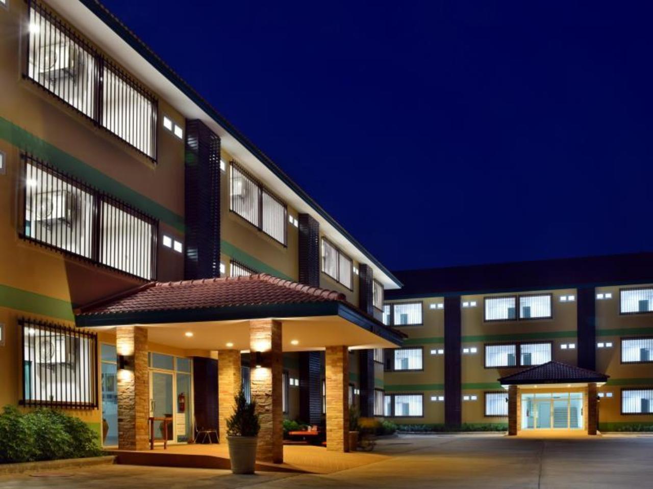 แก้วฟ้าใส ที่พัก (Kaeo Fa Sai Apartments)