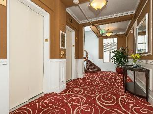 Interior The Pickwick Hotel