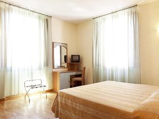 Hotel Savoia & Campana Montecatini Terme - Guest Room
