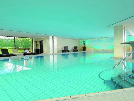 Best guest rating in Lubeck ➦ H4 Hotel Luebeck City Centre takes PayPal