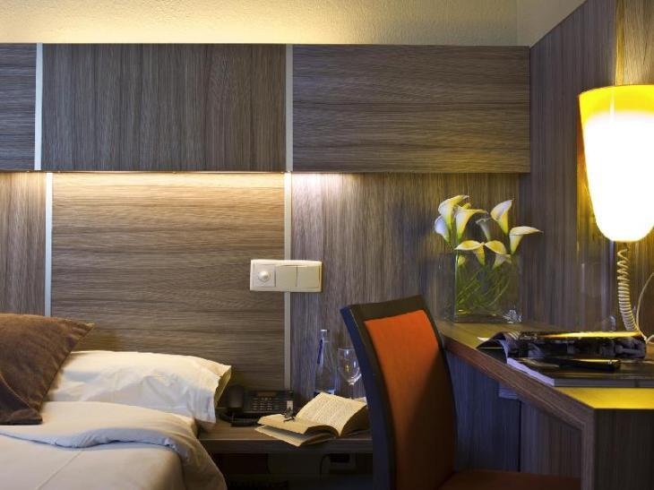 Hotel Serrano photo 2