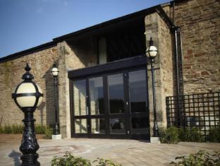 Coupons B/W Plus Lancashire Manor Hotel