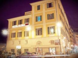 环球套房酒店
