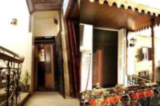 Kings Palace Hostel