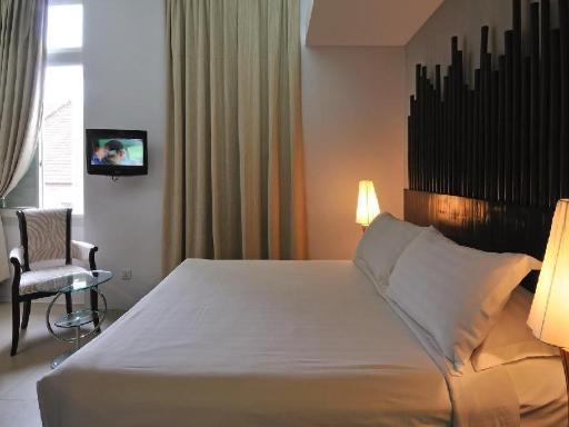 ➦  Santa Grand Hotels    customer rating