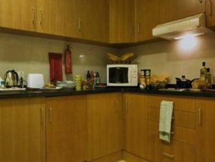 Star Metro Al Barsha Hotel Apartments Dubai - Kitchenette