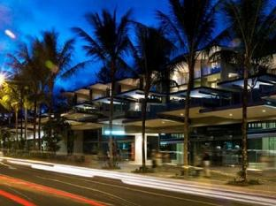 Coconut Grove Port Douglas Hotel