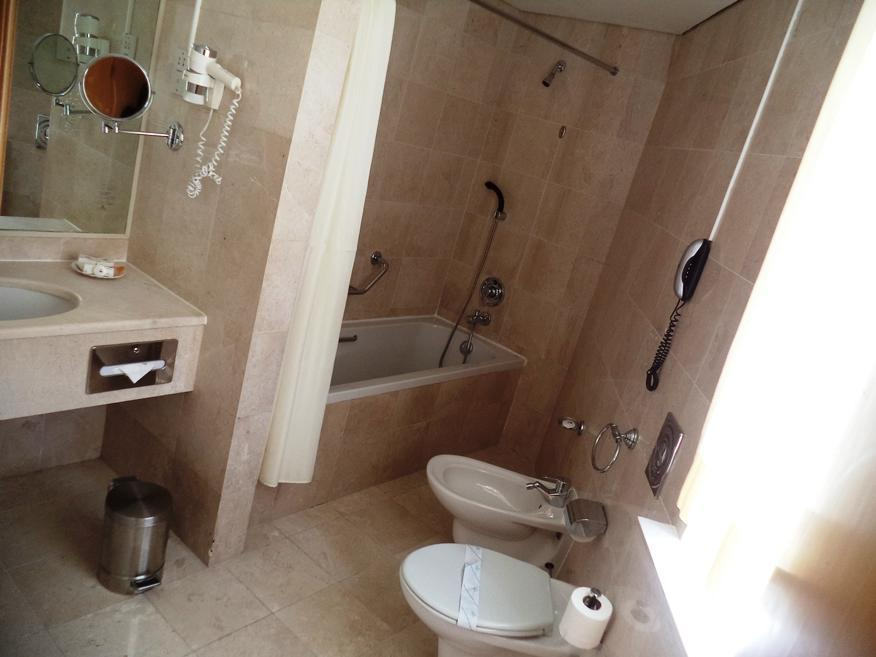 Grand Continental Flamingo Hotel - Bathroom
