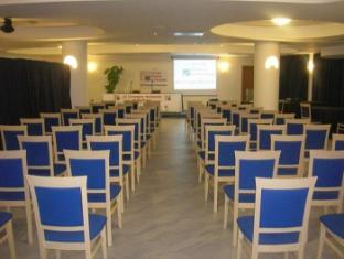 Hotel Scoglio Del Leone Zambrone - Meeting Room