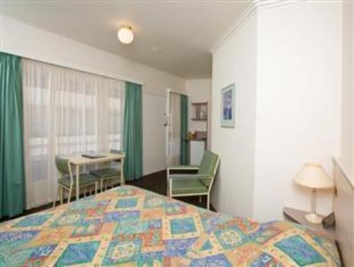 ➦  Choice Hotels    (Victoria) customer rating