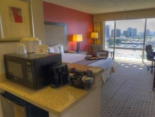 booking.com Phoenix Hotel and Suites